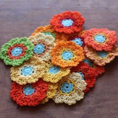 Yesterday we looked at 30 new crochet flower patterns. Let's keep up with the flower inspiration by looking at the many beautiful crochet flowers and floral projects people are making. Crochet Pattern Central, Crochet Flower Patterns, Crochet Flowers, Crochet Granny, Sewing Hacks, Sewing Tips, Beautiful Crochet, Creative Gifts, Crochet Necklace