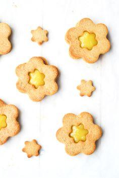 Lemon Curd Sandiwch Cookies #glutenfree #grainfree #paleo