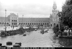 ICAS-SAHP. Barcas en la Plaza de España. 1944 #sevillayer Archivo Vilches