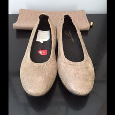 Donald Pliner Distress Metallic Pewter Ballet Flat MSRP $215. Made in Italy. Brand new in box. Comes with original duster bag, style is Hywei 6060. Donald J. Pliner Shoes
