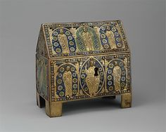 Chasse with Christ in Majesty and Apostles Date: ca. Geography: Made in Limoges, France Culture: French Medieval Jewelry, Medieval Art, Romanesque Art, Limoges France, Book Of Kells, Antique Boxes, Dark Ages, Gothic Art, Casket