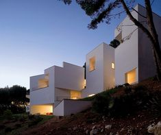 So Alval Aalto makes me cry in a good way. Look at this Casa in Mallorca - try and hold back the tears.