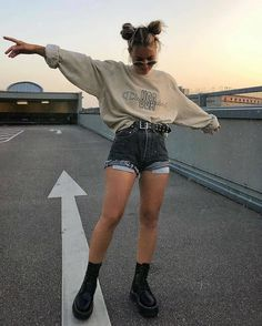 Grunge aesthetic docs outfit goals ootd fashion style stylish girls The clothing culture is fairly old. Skater Girl Outfits, Teen Fashion Outfits, Edgy Outfits, Retro Outfits, Cute Casual Outfits, Vintage Outfits, Fashion Belts, Soft Grunge Outfits, Fashion Women