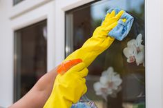Homemade Window Cleaner Recipes | These homemade window cleaner recipes will help keep your home safer. #HomeMattersBlog