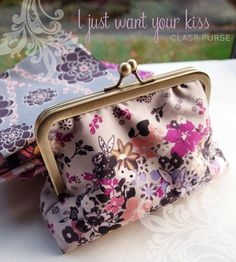 "Fat Quarter Gang Tutorial - ""I Just Want Your Kiss"" clasp purse by I'm A Ginger Monkey"
