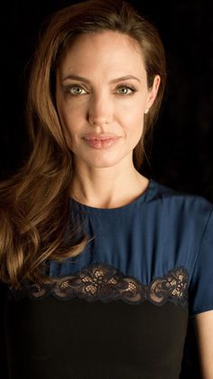 Angelina Jolie photographed by Todd Pitt for USA Today, December 2011 Angelina Jolie Photos, Jolie Pitt, World Most Beautiful Woman, Provocateur, Great Women, Brad Pitt, Beauty Photography, Pretty Woman, Cool Kids