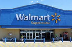 Have you been thinking about shopping at Walmart, but you've been on the fence for a while? Here are some surprising Walmart food facts that will make you rethink buying your groceries there. If you're a big fan of bananas, Walmart is your store. Muslim Sign, Grand Prix, Retail Arbitrage, Green Marketing, Marketing News, Content Marketing, Supermarket, Store Closing, Target