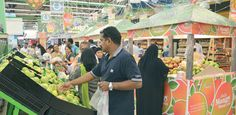 Lulu Hypermarket Group, as part of their promotion calendar, has launched Mango Festival (Mango Mania) from Thursday. All the Lulu outlets in Qatar have made it convenient for the connoisseurs of this exotic fruit to taste the versatility, and to buy the best taste that suits their palate. The idea behind the festival was to introduce various varieties of mangoes and to make it popular among the local community and in the Middle East.