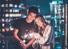 *couple goals with lights*/*fotos en pareja con luces*/