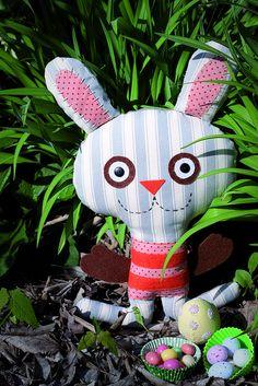 Cute bunny via zoomimosa's flickr.