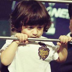 Soooooo cute😘😘😍😍 Shahrukh Khan Family, Abram Khan, Cutest Babies, King Of Hearts, Celebrity Kids, Cute Actors, Shraddha Kapoor, Aishwarya Rai, Indian Celebrities
