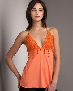 Ideas para aplicaciones de moda en tu ropa  Tejidos en ropa.Amigas hoy les compartimos nuevas ideas para que pongan en práctica con sus teji...