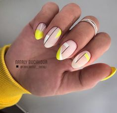 Oval nails are very similar to almond nails, but they are slightly smoother than almond-shaped nails. Oval nail art design is an attractive nail shape for most women. It highlights feminine elegance, so oval nails are more practical than other shapes Perfect Nails, Gorgeous Nails, Fabulous Nails, Amazing Nails, Cute Nails, Pretty Nails, My Nails, Oval Nail Art, Nail Manicure