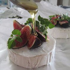 camembert  figs & honey now wrap in foil & place next to fire for 5-10 min serve with french loaf for pre braai snack