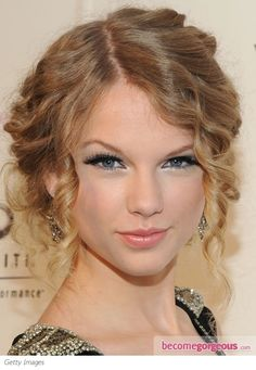 make up - love the use of silver eyeliner on the lower lid. Makes the eyes have a lovely glow.