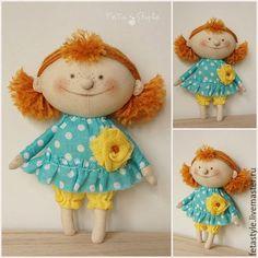 Купить или заказать Рыжая.  Кукла текстильная в интернет-магазине на Ярмарке Мастеров. Рыжая Кукла текстильная малышка Кукла в ладошку Смешная кукла Кукла текстильная Рыжая Жизнерадостная рыжая девчонка, всегда в хорошем настроении, 'рот до ушей, хоть завязочки пришей' ))) с удовольствием поделится с вами своим солнечным настроением, радостью и счастьем Кукла текстильная Рыжая - маленькая кукла, сшита из бязи, одежда из хлопка, волосы - пряжа, Одежда не снимается Стоит с опорой&he...