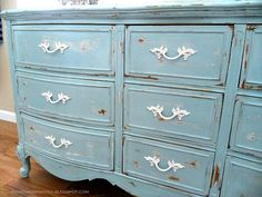 picked and painted blog, love the blue and white