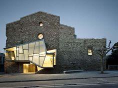Vidro e metal modernizam abadia catalã - Casa Vogue | Arquitetura