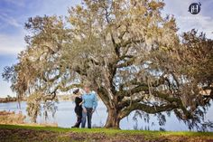 Engagement session at Middleton Place, Charleston SC, Pose Ideas