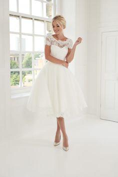 Short Ivory Wedding Dress, Red Wedding Dresses, Tea Length Wedding Dress, Wedding Frocks, Lace Wedding, Vintage Inspired Dresses, Bridal Boutique, Bridal Collection, Bridal Gowns
