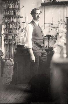 Dr. C.L Alsberg, Cheif Bureau of Chemistry in Chemistry Lab - 1912 - Harris & Ewing