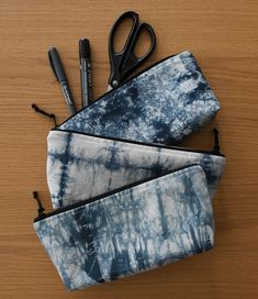 Handmade pencil cases / makeup bags. Hand dyed with shibori technique. Check out my Etsy shop for more unique designs! Shibori Techniques, Black Tie Dye, Pencil Cases, Bag Design, Makeup Bags, Cotton Bag, Zipper Pouch, My Etsy Shop, Hand Painted