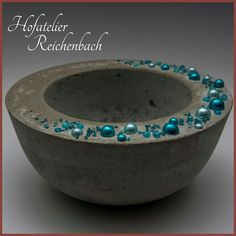 Betonschale mit blauen Perlen Teil 1 / Concrete bowl with blue Pearls Part 1