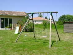#Family home in the French countryside, near #Bordeaux. Swings, toys, BBQ, large garden... This is a fun vacation! #france