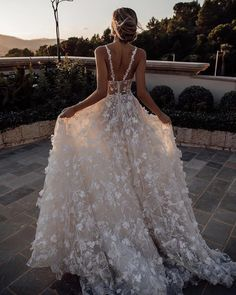 24 Unforgettable Beach Destination Wedding Dresses is part of Destination wedding dress - Destination wedding is beautiful! These beach destination wedding dresses are light, airy and perfect for a ceremony in the sand Gorgeous Wedding Dress, Dream Wedding Dresses, Bridal Dresses, Wedding Gowns, Prom Dresses, Wedding Rings, Lace Wedding, Floral Wedding Dresses, Wedding Dress Beach