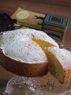 Seed Cake for Miss Marple. キャラウェイシード入のシードケーキ。菜種油使用。200yen