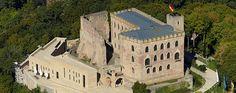 Max_Dudler_stellte_sich_der_Herausforderung_des_Umbaus_und_der_Erweiterung_des_Hambacher_Schlosses__das_seit_dem_Mai_1832_als_Wiege_der_deutschen_Demokratie_gilt..jpg (617×244)