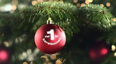 De kerstbomen commercial van Praxis met door ons bedrukte kerstballen !