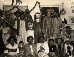 1944 Halloween party at Frederick Douglass Community Center in Washington, D. Henry Bazemore Collection of Frederick Douglass Dwellings Photographs, Anacostia Community Museum Archives, Smithsonian Institution, gift of Henry Bazemore. Homemade Halloween Treats, Halloween Gif, Holiday Activities, Us Images, Vintage Advertisements, Black History, Creepy, Frederick Douglass