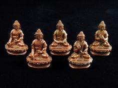 these beautiful little copper cast Buddhas show the five Dhyani buddhas of the stupa. Buddha, It Cast, Copper, Statue, Contemporary, Nepal, Beautiful, Art, Craft Art