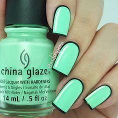 3. This comic-inspired nail art actually looks cartoonish with a matte topcoat!