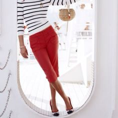 Nautical fashion is always cute! nautical-style-fashionblog.com