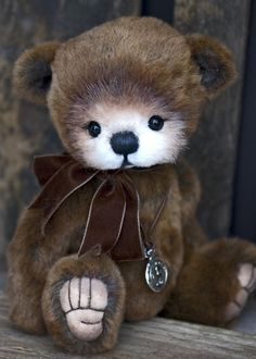 Cute Teddy Bear. What a face! ideas for coloring and finishing embroidery