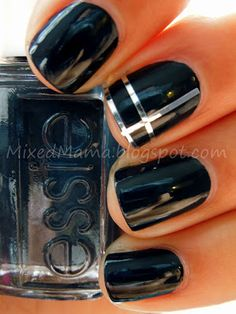 MixedMama: 31 Day Challenge! Day 5- Blue Nails