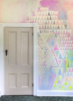 Diamond Distortion Field is a pastel abstract mural created by artist Camille Javal. The mural playfully features geometric shapes - diamonds and triangles - as well as metallic paint and neon pops of color. Mural Art, Wall Murals, Art Art, Stencil, Diy Wall Decor, Home Decor, Diy Canvas, Chinoiserie, Wallpaper