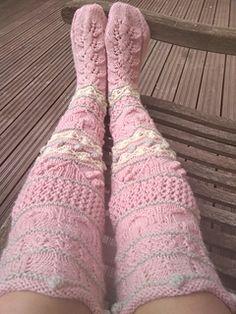 Ravelry: annkah's London girl socks London Girls, Girls Socks, Ravelry, Fashion, Moda, Fashion Styles, Fashion Illustrations, Loom Knit