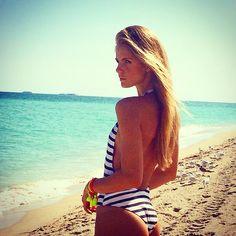 lunacastilho: No matter where or why you travel. There is always something wonderfully new to be found! ☀️☀️ #miami #miamibeach #style #beach #southbeach #look #dressher #girl #fashion #fashiontips #model #supermodel #beachbum #lunacastilho #bestoftheday #picoftheday #behindthescenes #fit #health #brazilian #fordmodelsbrasil #fordmodels #onemanagement #one1management #swim #blond #nextmodelsmiami (at South Beach Miami)