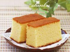 簡単おやつ*混ぜて焼くだけしっとりカステラ in 2020 Sweets Recipes, Cake Recipes, Desserts, Japanese Sweets, Sponge Cake, Cornbread, Vanilla Cake, Cheesecake, Meals