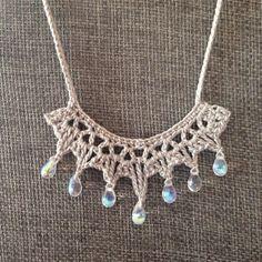 Crochet jewelry 556405728957997792 - Free Crochet Pattern: Tanya's Teardrop Necklace Source by moreyarn Crochet Necklace Pattern, Crochet Jewelry Patterns, Knitted Necklace, Crochet Accessories, Crochet Jewellery, Doily Patterns, Diy Necklace, Collar Necklace, Bracelet Patterns