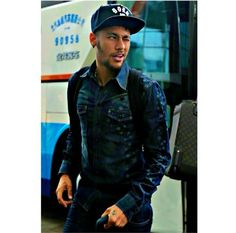 06.10.14 arrival in China for match against Argentina on 11/10/14