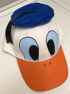 This is a Donald Duck Inspired, adjustable baseball cap. Great for a Disney Vacation or a Halloween Team Halloween Costumes, Disney Family Costumes, Duck Costumes, Disney Familienkostüme, Disney Ears, Homemade Halloween, Baby Halloween, Halloween 2020, Donald Duck Kostüm
