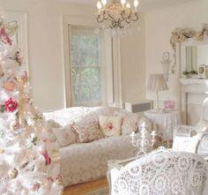Decoración navideña barroca en blanco