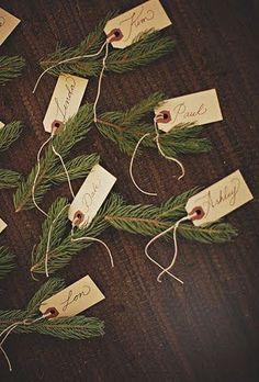 Incanta i toui ospiti con i dettagli, scegli i segnaposti natalizi fai da te che renderanno magica la tua cena di Natale!