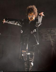 Rihanna, V festival, 2016