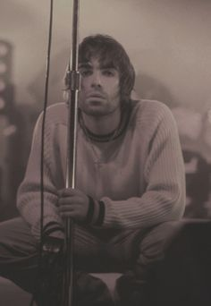 Liam Gallagher of Oasis El Rock And Roll, Rock And Roll Bands, Liam Gallagher Noel Gallagher, Liam And Noel, Oasis Band, Definitely Maybe, Beady Eye, Britpop, Ringo Starr