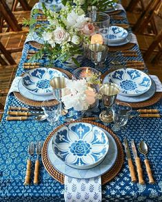Blue and White Place Setting Spring Outdoor Wedding Table Rustic Country #blueandwhite #weddingtable #placesetting
